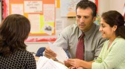 Tips Menyatukan Guru Senior dan Guru Yunior di Sekolah