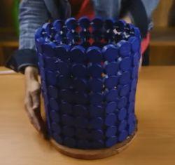 Membuat Tempat Sampah dari Tutup Botol Bekas