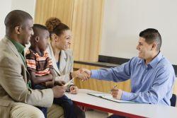 Tips Berhadapan dengan Orang Tua Siswa yang Sedang Marah