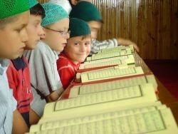 Hafal Quran? Bebas Memilih Sekolah di Padang
