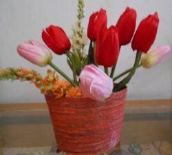 Membuat Vas Bunga dari Kertas Koran