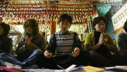 Simak 10 Ritual Aneh Nan Unik Para Siswa Asia Sebelum Melaksanakan Ujian