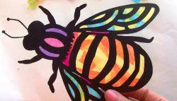 Membuat Warna Rangka Lebah dengan Kertas Krep