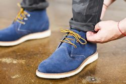 Tips Merawat Sepatu Berbahan Suede