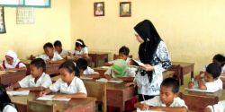 Anies: Guru Itu Tanggung Jawab Daerah