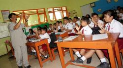 Sebanyak 16.000 Guru di Provinsi Maluku Belum Sarjana