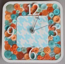 Cara Menghias Jam Dinding dari Kancing