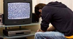Lebih Suka Berdiam Diri di Rumah? Waspadai Beberapa Bahaya Kesehatan Berikut Ini!