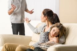Simak 5 Ucapan Orangtua yang Tanpa Disadari Berdampak Buruk bagi Si Kecil