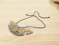 Cara Mudah Membuat Kalung dari Peniti