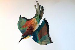 Wow, Patung - Patung Burung Ini Dibuat dari Potongan Potongan Kertas!