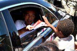 Penyaluran Buku Tulis Gratis kepada Anak-Anak Lhokseumawe ala Presiden Jokowi