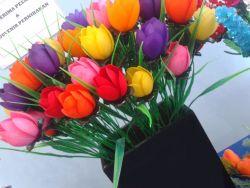Cara Membuat Bunga Tulip yang Cantik dari Sedotan Plastik