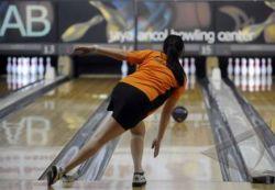 Teknik Dasar untuk Pemula dalam Olahraga Bowling