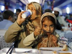 Simak 5 Tips Biasakan Si Kecil Berpuasa di Bulan Ramadan
