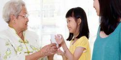 Bunda, Ini Cara Tepat Agar Anak Terbiasa Berbicara Sopan