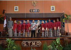 Menyambut Tahun Ajaran Baru, Siswa XI SMTI Yogyakarta Ikuti Kegiatan Live-in