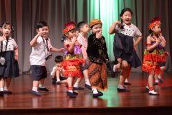 Proses Mengajarkan Gerak dan Lagu Anak Edukatif
