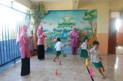 Peran Guru sebagai Pendidik, Pelatih, Pengajar