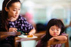 Lakukan Hal Ini untuk Menangani Anak Susah Makan di Rumah