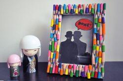 Cara Menghias Frame Foto dengan Pensil Warna