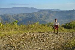Siswa Berau Numpang Truk Perusahaan untuk ke Sekolah