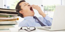 Sering Ngantuk Saat Bekerja? Hindari Makanan Berikut Ini