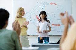 Lakukan Tips Ini untuk Bisa Percaya Diri Tampil di Depan Kelas