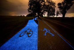 Di Polandia, Jalur Sepeda Bisa Menyala dalam Kegelapan!