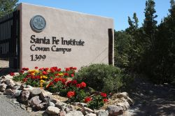 Raih Beasiswa Postdoctoral di Santa FE Institute, New Mexico 2017