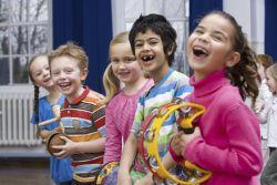 Buat Anak Jatuh Cinta dengan Musik, Karena Musik Kaya Manfaat