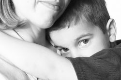 Jangan Biarkan Sifat Pemalu Anak Menghambat Prestasinya