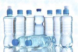 Benarkah dengan Minum Air Isotonik, Muntaber Bisa Dicegah?