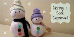 Membuat Boneka Salju yang Unik dari Kaos Kaki