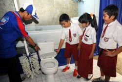 Miris, Masih Banyak Sekolah Belum Punya Toilet!