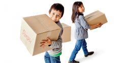 3 Kiat Ajarkan Anak Sikap Dermawan