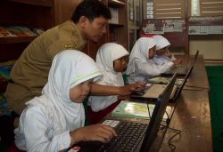 Sebanyak 8.636 Unit Laptop Akan Diberikan kepada Siswa SD di Badung, Bali