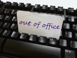 Simak Tips Liburan Nyaman Tanpa Diganggu Urusan Pekerjaan