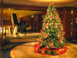 Agar Terlihat Menarik, Berikut Cara Menghias Pohon Natal