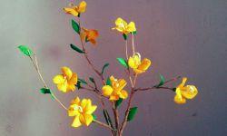 Membuat Bunga yang Unik dari Kulit Jagung
