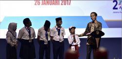 Presiden Jokowi: Lagu Indonesia Raya dan Pembacaan Pancasila Wajib Dilakukan Siswa Sebelum Belajar