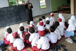 Kemendikbud Bantah Rencana Hilangkan Sekolah Gratis