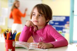 Manfaat di Balik Kegiatan Melamun pada Anak