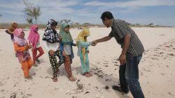 Kisah Inspiratif! Seorang Pemulung Sukses Dirikan 2 Sekolah Gratis di Kupang