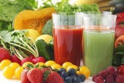 Mana Lebih Baik, Buah dan Sayur Dikonsumsi Secara Utuh atau Dijus?