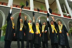 Dibuka Beasiswa Pendidikan S2 UGM Beragam Jurusan