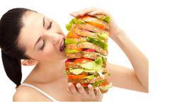 Bolehkah Menyantap Makanan dalam Porsi Besar Ketika Berbuka Puasa?