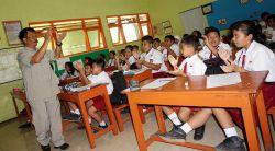 Aturan Baru Kemendikbud, Guru Wajib Berada di Sekolah 8 Jam