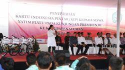 Luncurkan Program Revitalisasi SMK di Surakarta, Kemendikbud Bagikan KIP
