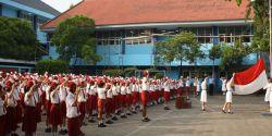 Seluruh Sekolah Wajib Nyanyikan Indonesia Raya 3 Stanza Saat Upacara Bendera